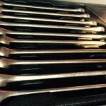 Набор ключей из тележки с инструментом Toptul
