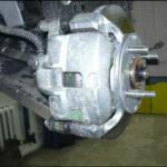 Hyundai i10 суппорта тормозных колодок Hyundai i10 просто болтаются на двух болтах-направляющих